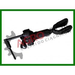 Wieszak prawy MTZ 1221 szeroka widełka/długi zaczep